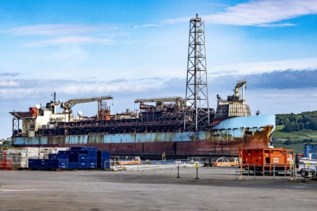 Shell halts Curlew Dundee decom as final work to be done elsewhere